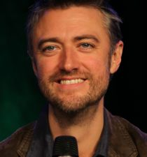 Sean Gunn's picture