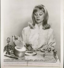 Shirley Knight's picture