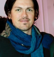 Steve Howey (actor)'s picture