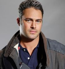 Taylor Kinney's picture