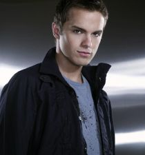 Thomas Dekker (actor)'s picture
