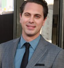 Thomas Sadoski's picture
