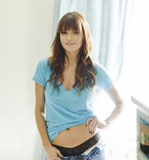 Valerie Azlynn's picture